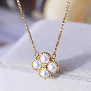 🎁Tory Burch Woven Pattern Pearl Clover Necklace